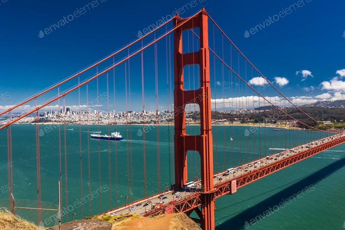 Toma de Día del Puente Golden Gate en San Francisco, California