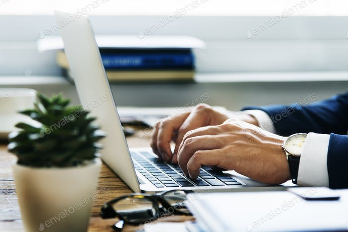 Business Man Hands Typing Laptop Konzept