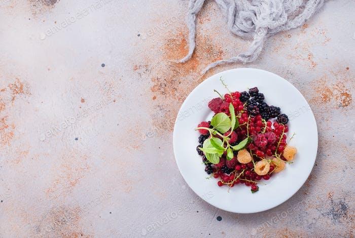 mix berries
