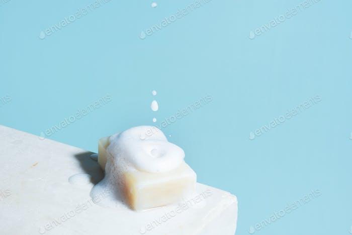 Кусок мыла и пены, антибактериальная защита