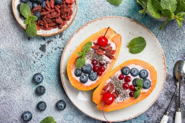Papaya mit Joghurt