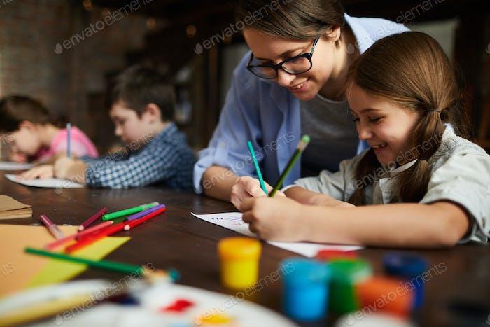 Kunstlehrer Arbeiten mit Kindern