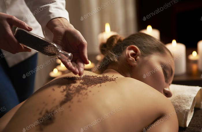 Massage with use of many minerals