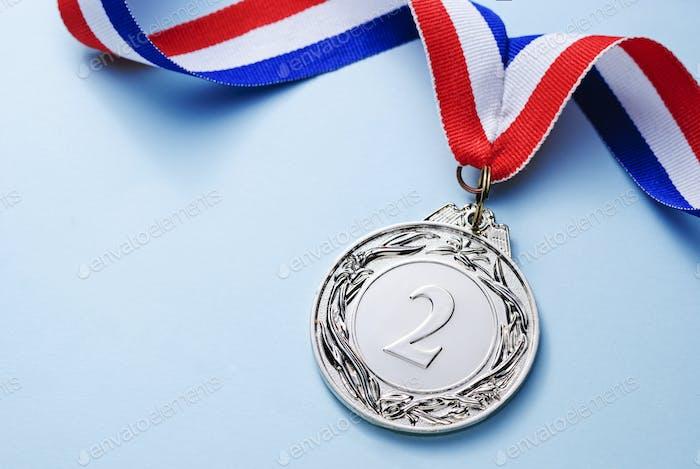 Medalla de plata 2 lugar con cinta