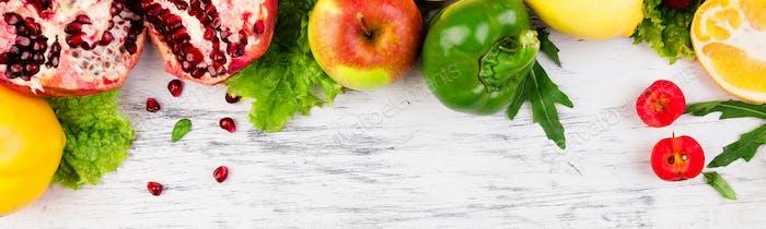 Banner mit Rahmen für Obst und Gemüse. Kopierraum. Vegan. Klare Nahrung.