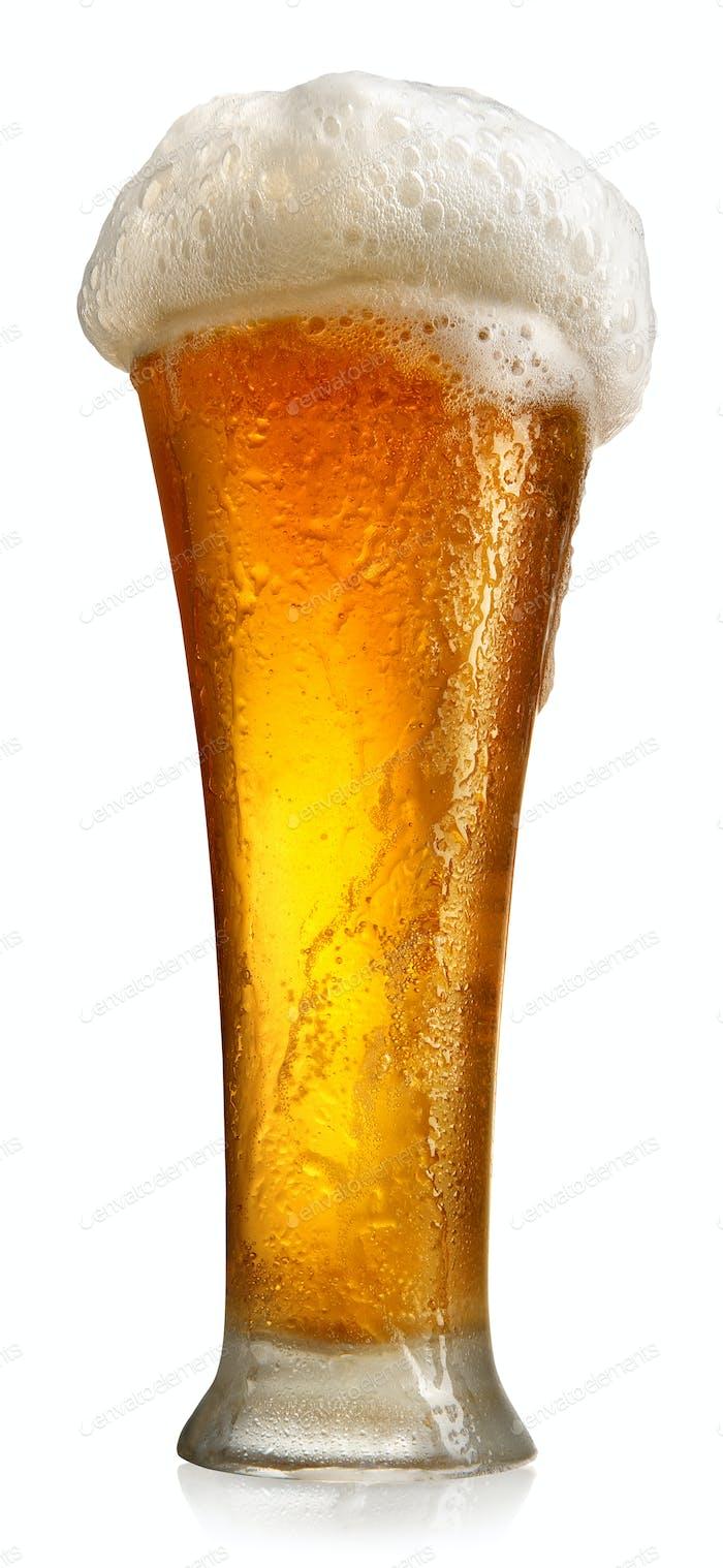 Becher mit Bier