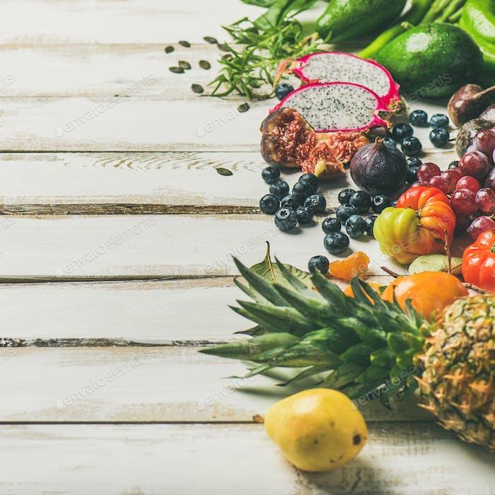 Helathy Rohes veganes Essen Kochen Hintergrund, quadratische Ernte