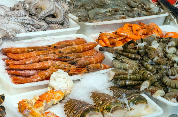 Seafood and shellfish at a market