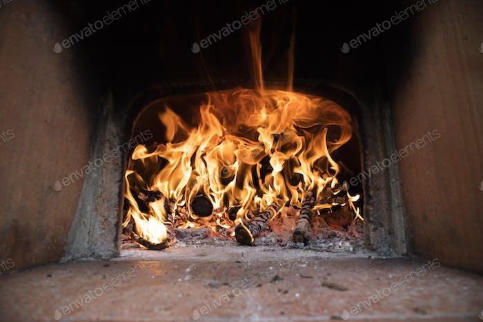 Fuego y llamas de madera