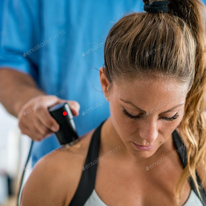 Ultrasound in physical therapy, treatment of shoulder muscles