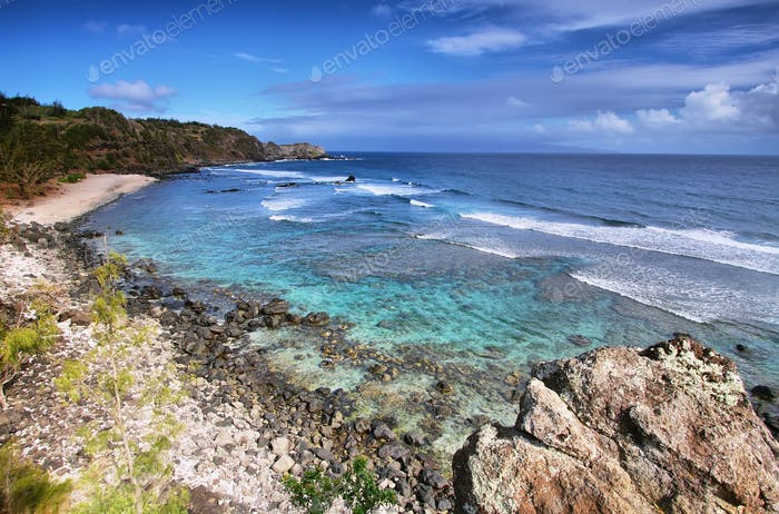 Poelua bay in north shore Maui