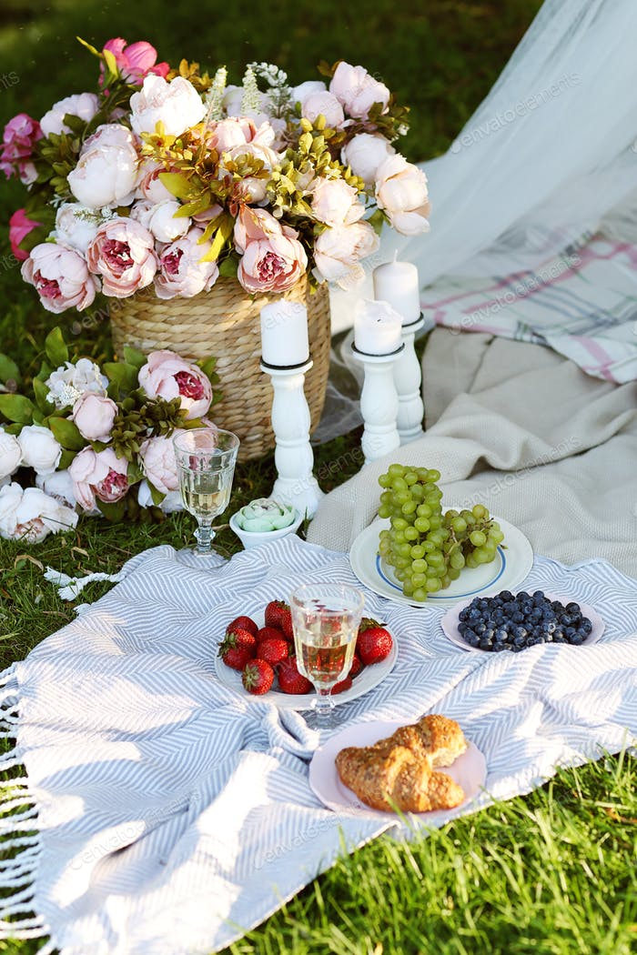Picnic decorations