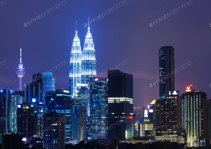 Ciudad capital de Malasia, Kuala Lumpur por la noche