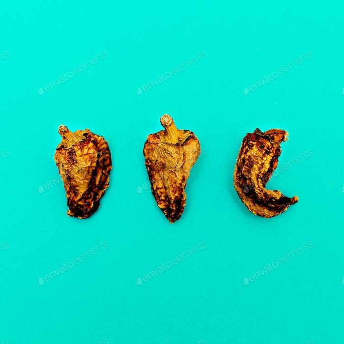 Set von getrockneten Paprika. Minimales Kunstdesign