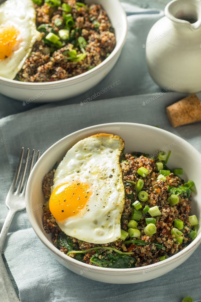 Healthy Organic Quinoa Breakfast Bowl