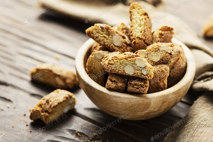 Cantucci or cantuccini
