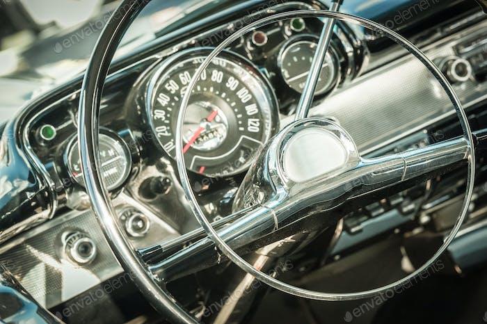 retro dashboard