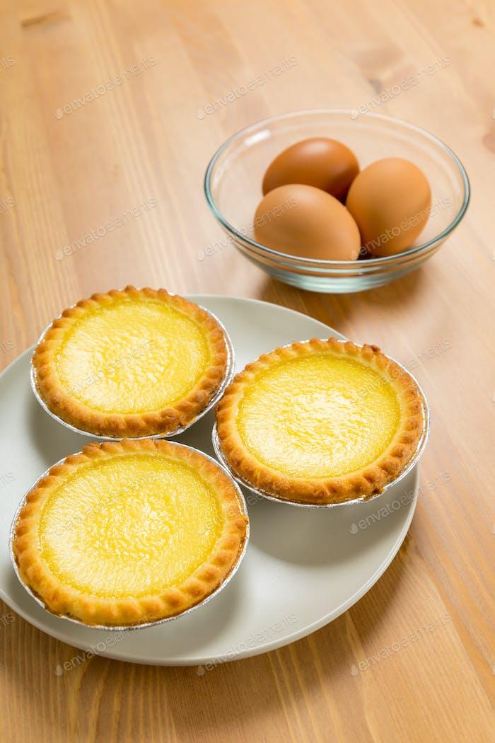 Egg tart and egg