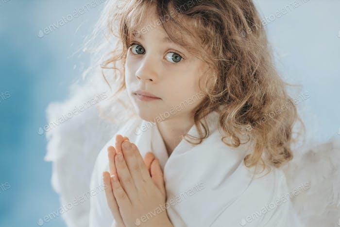 Anegl praying