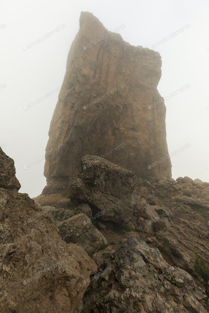 Roque Nublo in fog