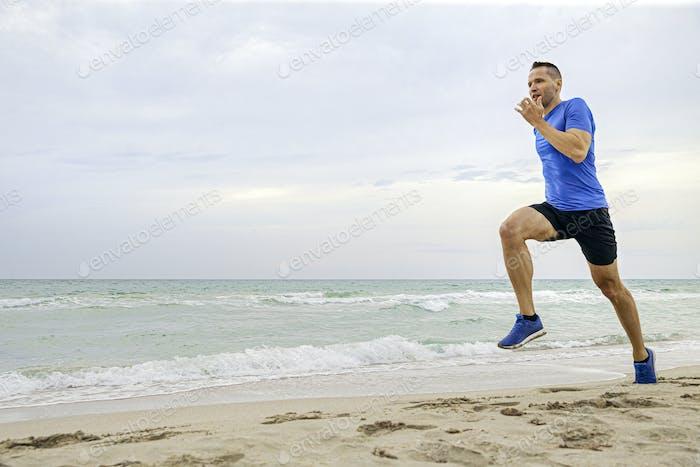 middle-aged man runner run