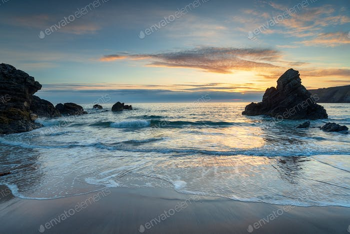 Sonnenaufgang in der Sango Bay