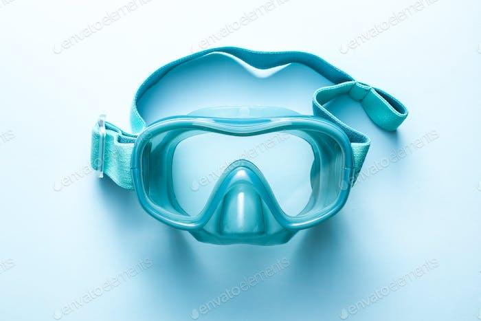 Blue diving mask.