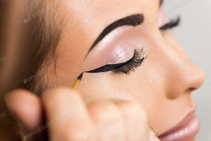 Perfekter Eyeliner