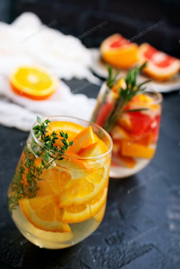 Drink with citrus