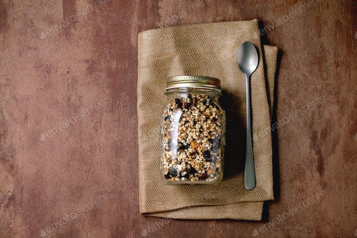 Homemade puffed millet granola