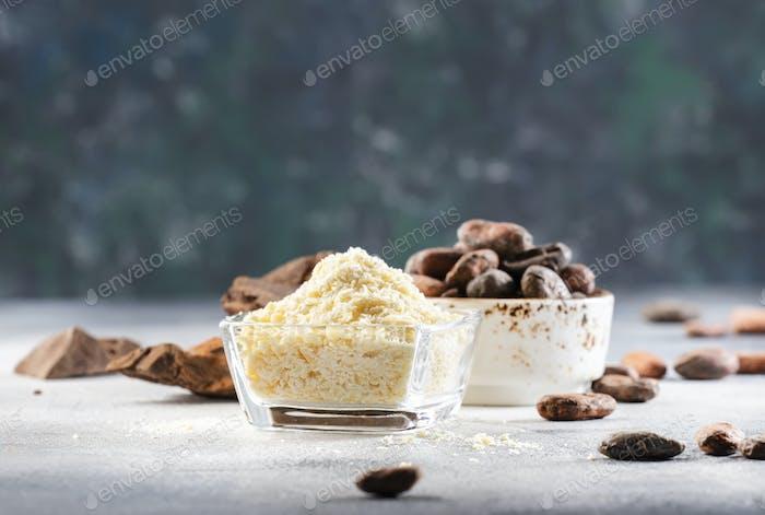 Manteca de cacao orgánica, granos de cacao, bulto de cacao rallado