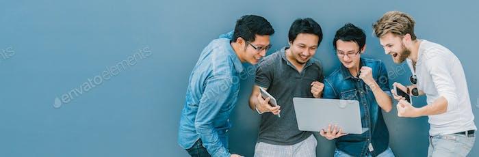 Banner y página web o Plantilla de portada del Grupo de personas de negocios asiáticos y multiétnicos