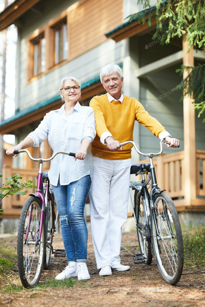 Smiling seniors leading active lifestyle