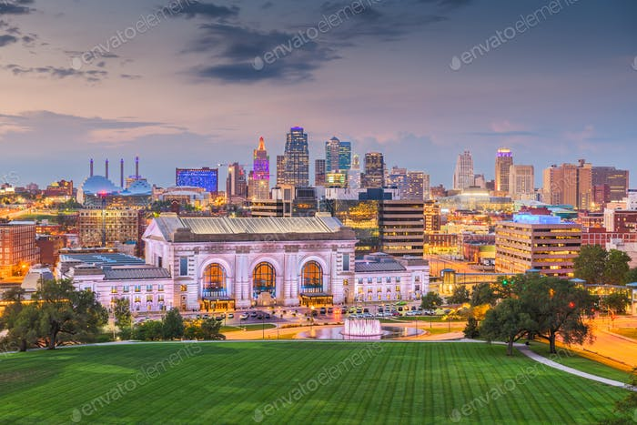 Kansas City, Missouri, USA downtown skyline with Union Station