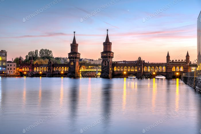 The beautiful Oberbaubruecke over the river Spree