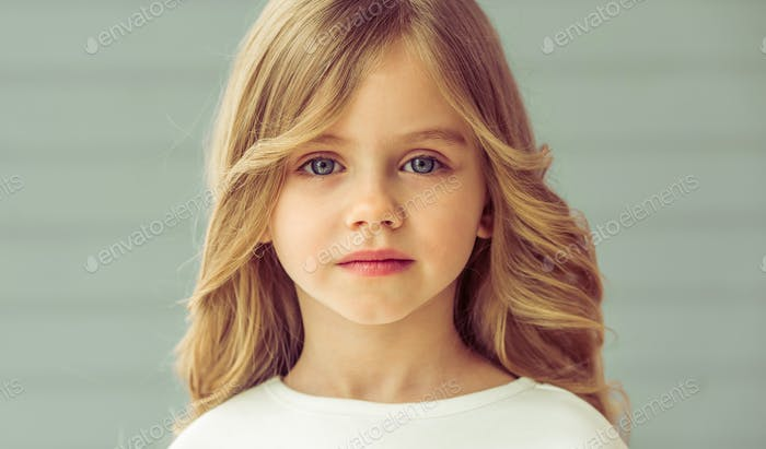 Hübsches kleines Mädchen