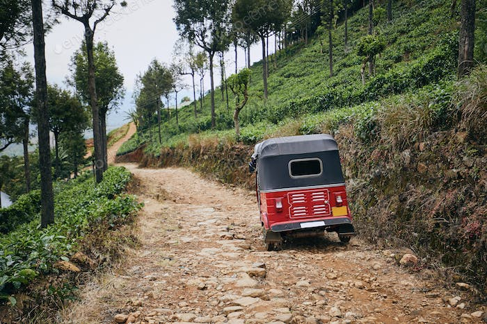 Tuk tuk on dirt road