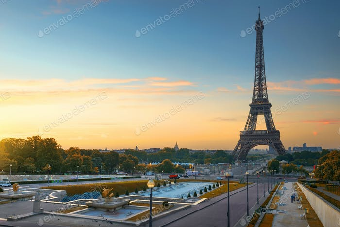 Morgendämmerung in Paris