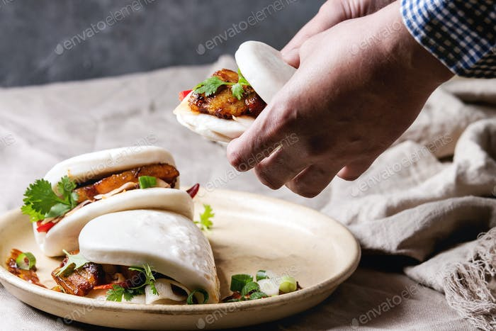 Gua bao buns with pork