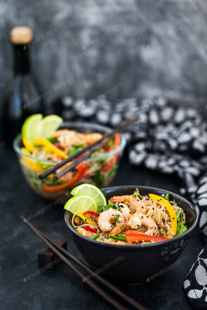 Delicious asian rice glass noodles with prawns and vegetables  (