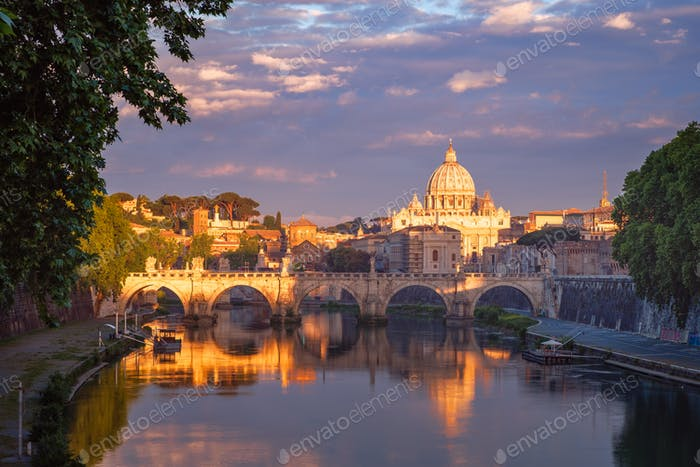 Berühmte Stadtbild der Basilika St. Peters in Rom