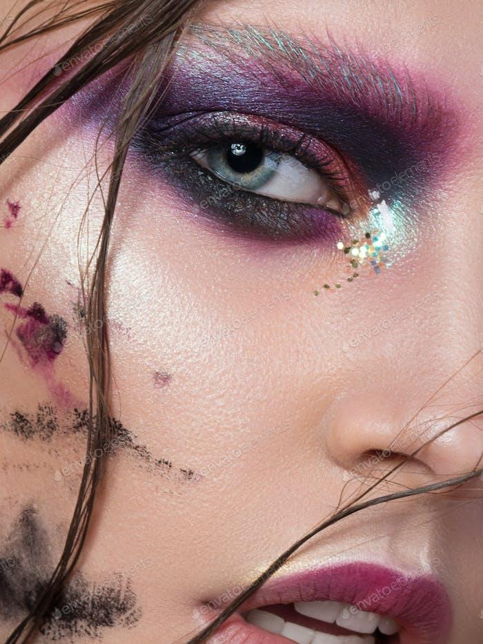 Junges Mädchen mit Mode kreative Make-up