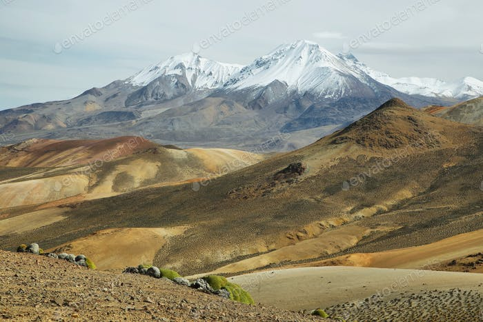 """Nevado de Putre"" and colorful mountain views from ""Cerro Milagro"""