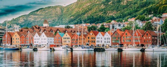 Bergen, Norwegen. Blick auf historische Gebäude Häuser in Bryggen -