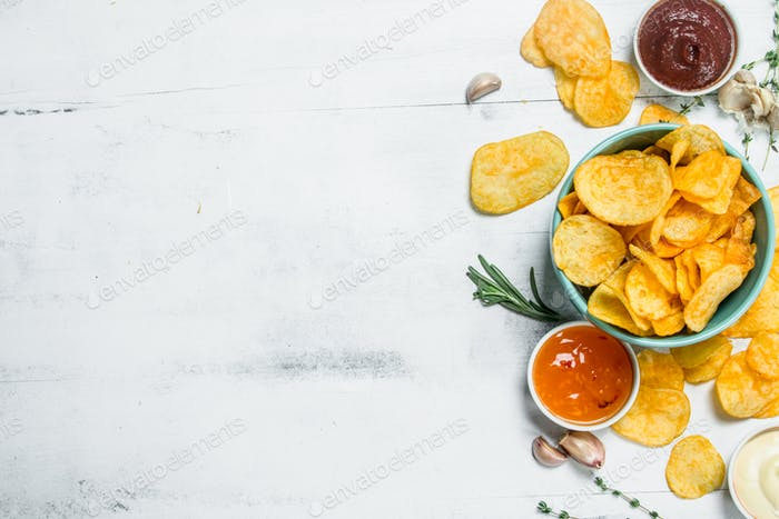 Potato chips with sauces.