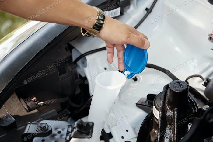 Checking windshield washer level