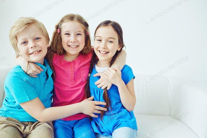 Niños amigables