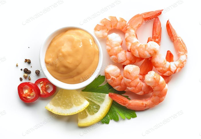 boiled prawns and salsa sauce