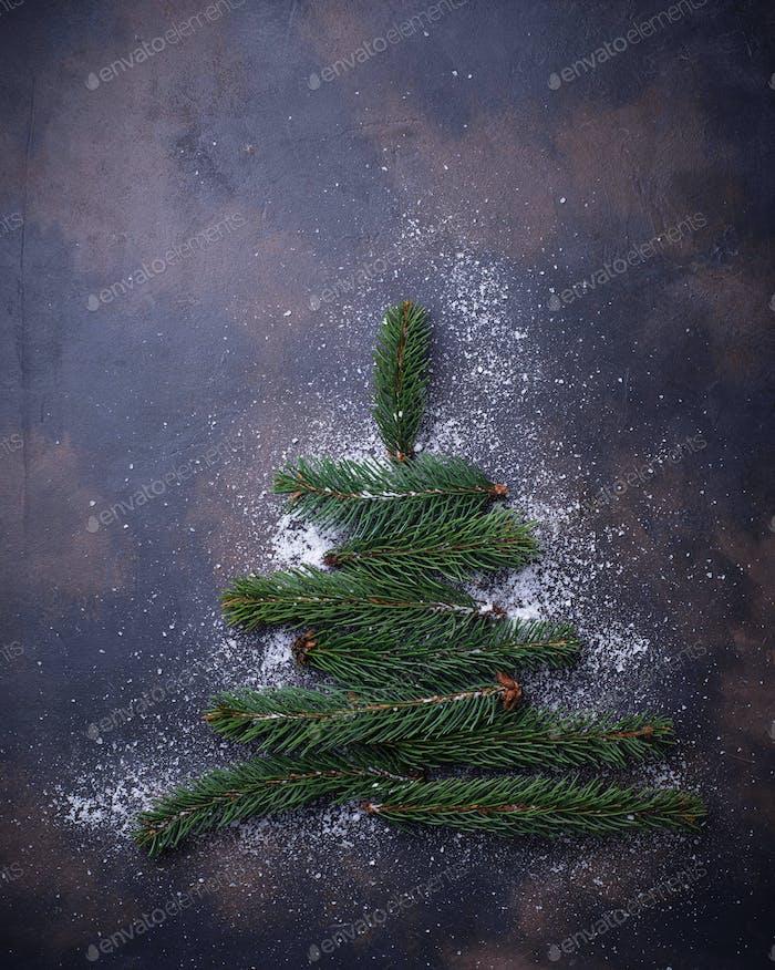 Weihnachtsbaum aus einer Tanne Zweige