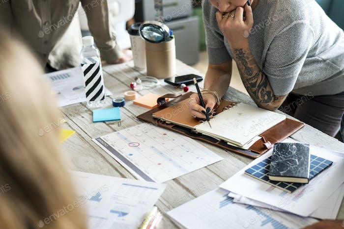 Татуированные женщины планирование